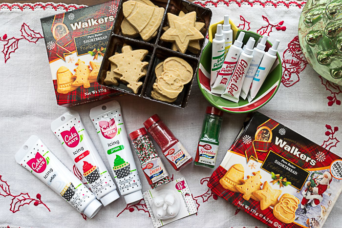 Walkers Holiday Decorating Station