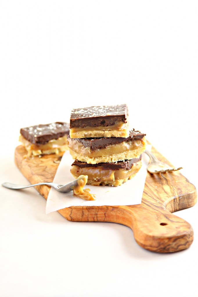 Caramel Chocolate Shortbread Bars